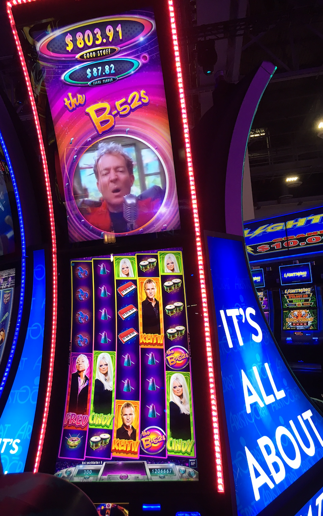 B52s.V2 Slot Machine