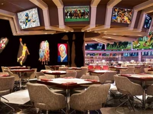 Charlie's Bar and Grill at the Wynn