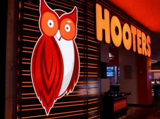 Hooters World's Largest at Palms