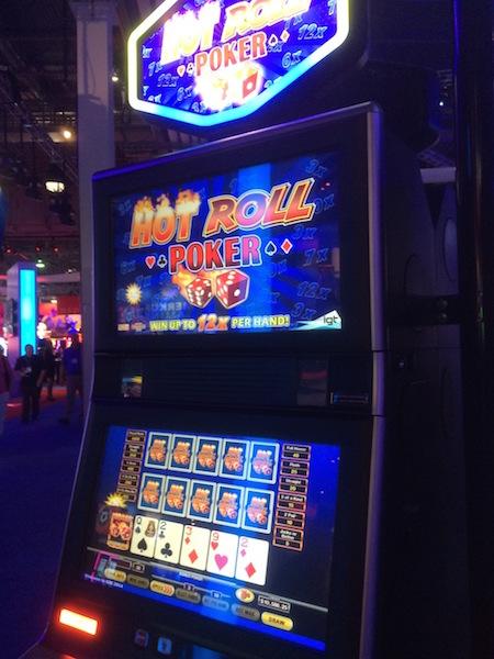 Hot Roll Dice Slot Machine