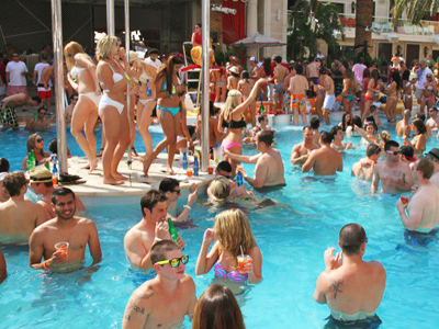 this summers best las vegas pools and parties