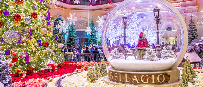 las vegas is in the desert but it tries to get in the holiday spirit despite its warm climate that accompanies the holidays in most parts of the country - Country Christmas Las Vegas
