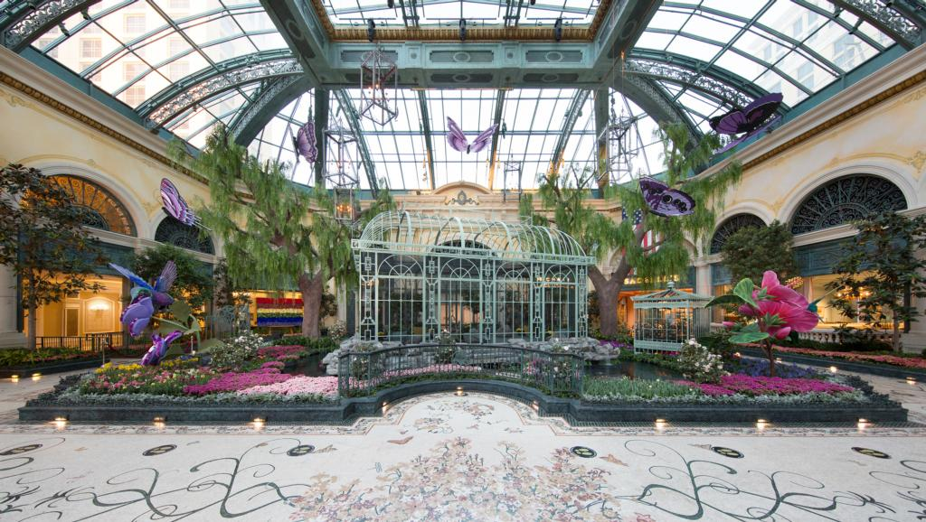 bellagio_conservatory_spring_display___west_bed_low