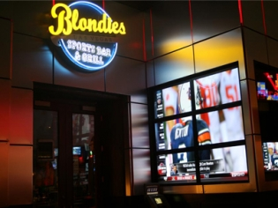 Blondies Sports Bar and Grill Neon Sign