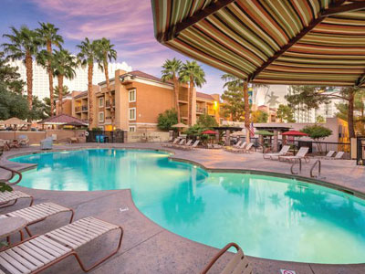 Tempe Mission Palms, where Midwestern charm meets the warmth of the Southwest, is the only full-service hotel in the heart of Tempe, Arizona with convenient access to Scottsdale and Phoenix.