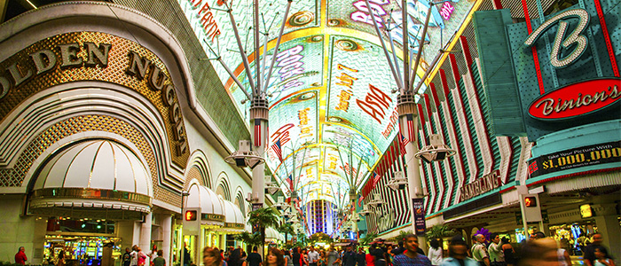 fremont street experience show times mai 2018
