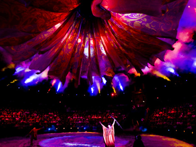 Le Reve features a very loose plot line that brings audiences away from reality and engulfs their senses in an altered world. As the title suggests, it really does feel like a dream and the visual effects are some of the best of any show that Las Vegas has to offer/5(13).