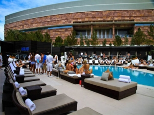 Liquid Pool Lounge and Day Club at Aria