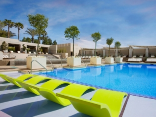 Wet Republic Lounge Chairs and Pool