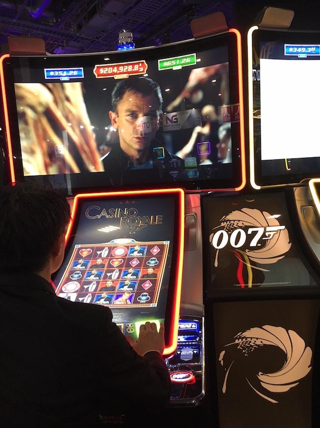 Bond Casino Royale Slot Machine