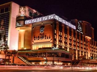 Cromwell Las Vegas Exterior at Night