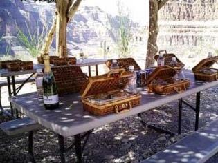 Sundance Helicopter Grand Canyon Picnic Limo tour